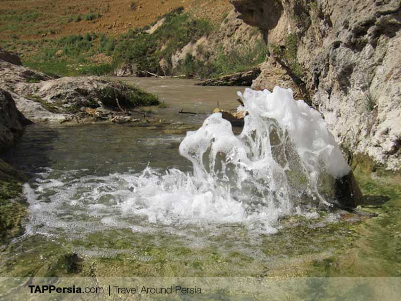 Vananaq Hot Spring in Zanjan Province - Iran's Natural Spas