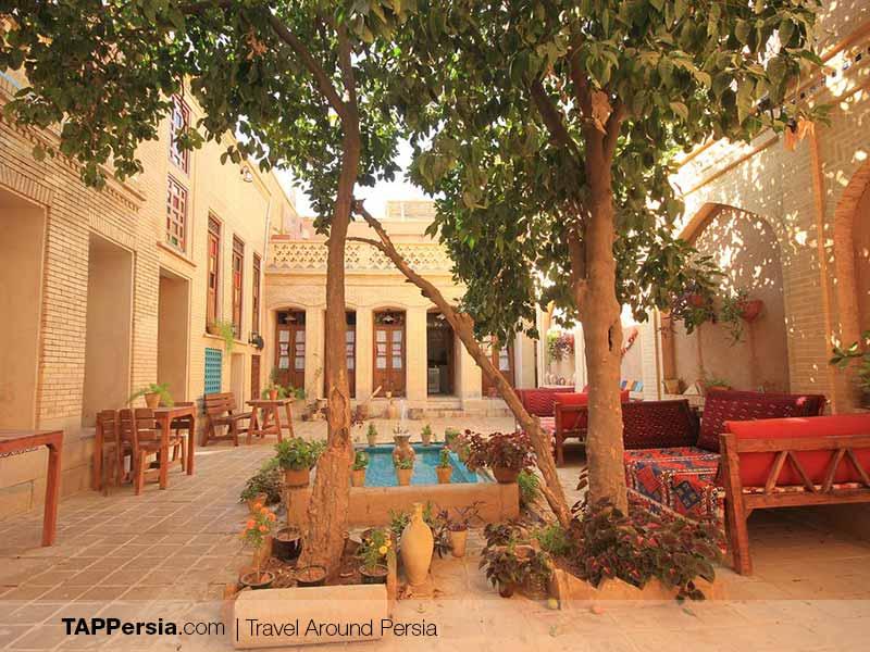 Mahmonir Traditional House - Best Hotels in Shiraz