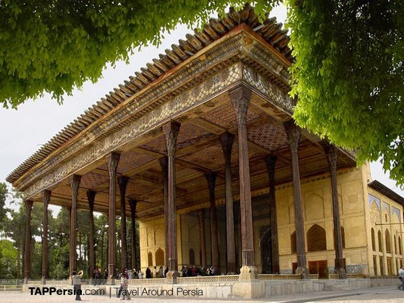 Chehel Sotoun Palace - Places to walk in Isfahan