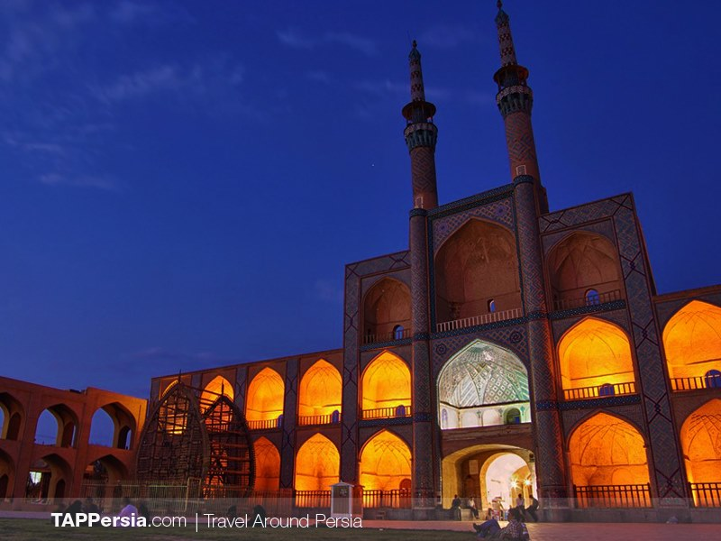 Amir Chakhmaq mosque - yazd attractions 4