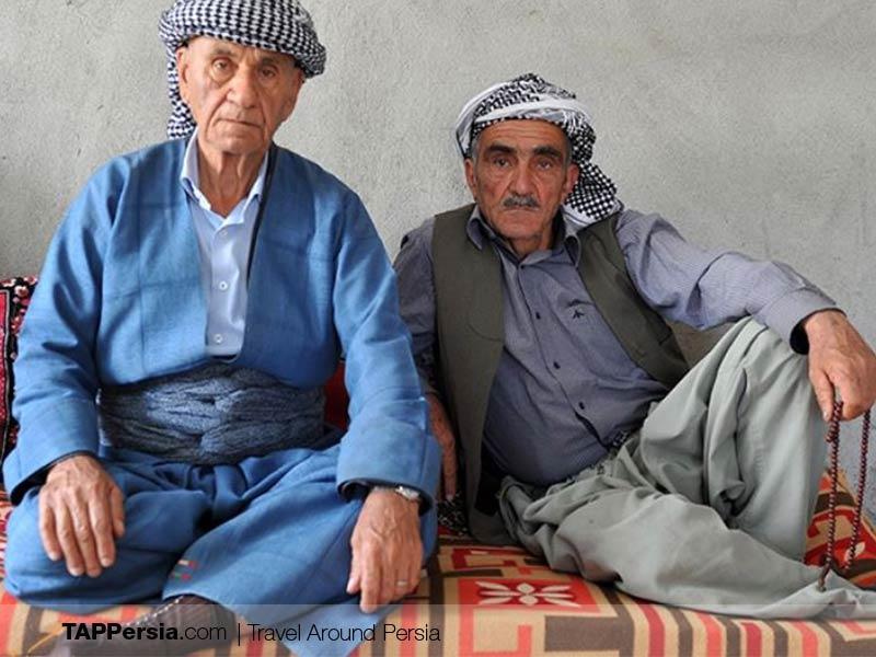 Ethnicities in Iran - Kurdish clothing