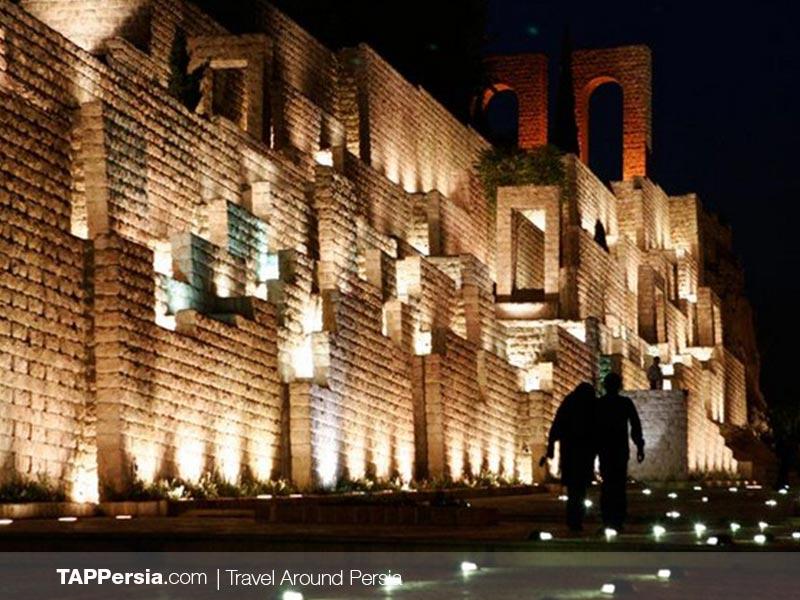 Quran Gate Nightlife