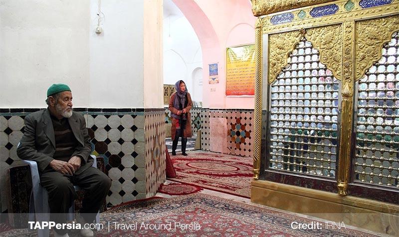 the interior of Shahzadeh Ebrahim